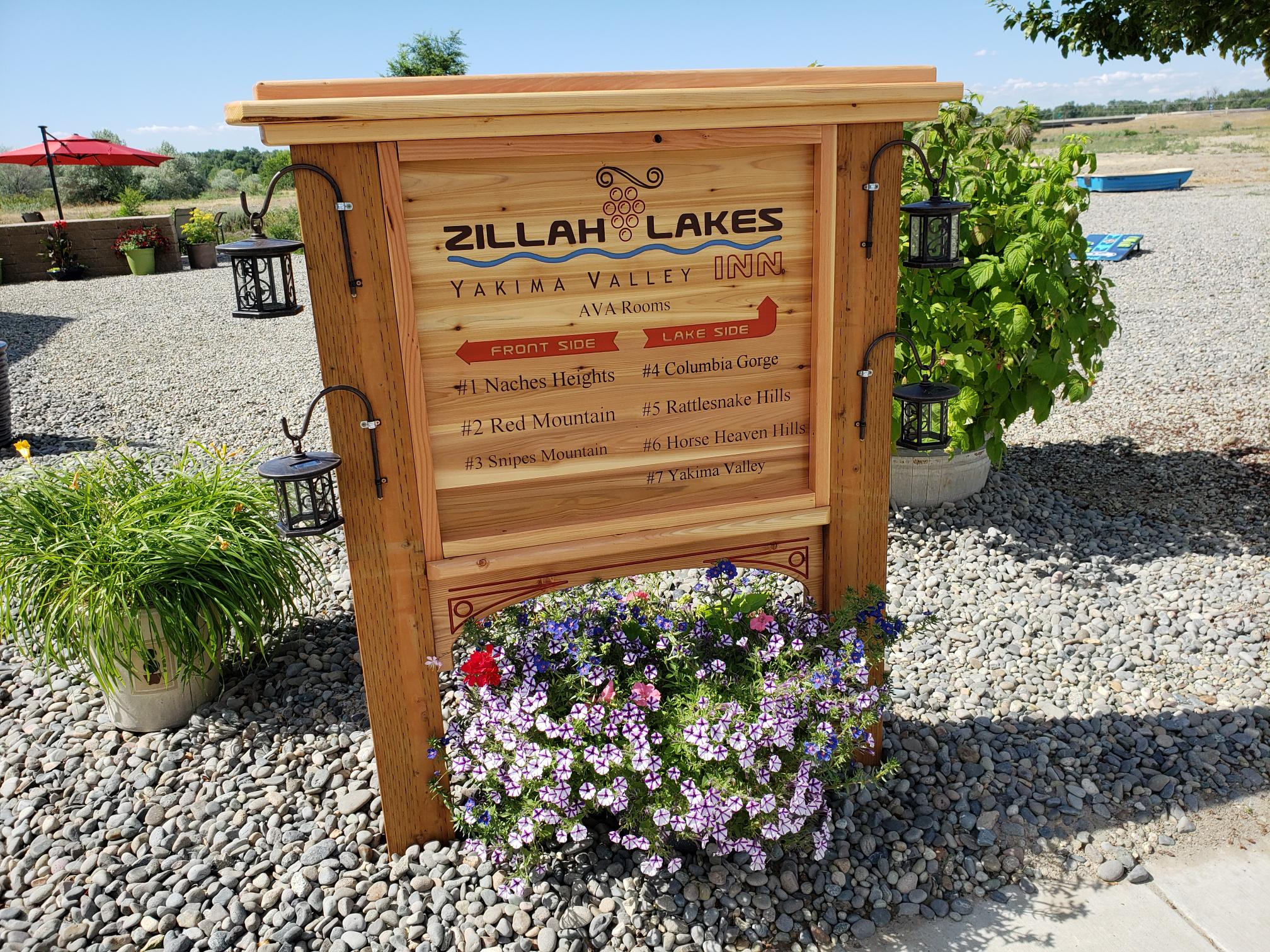New sign at Zillah Lakes Inn