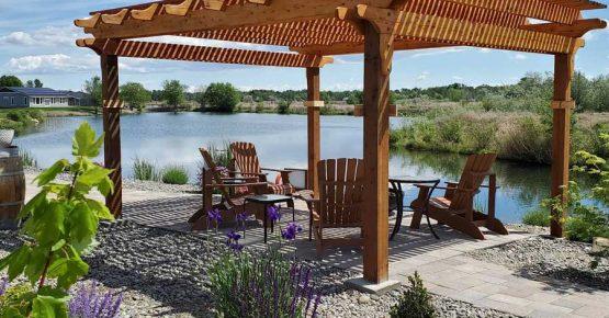 Lakeside Pergola at Zillah Lakes Inn