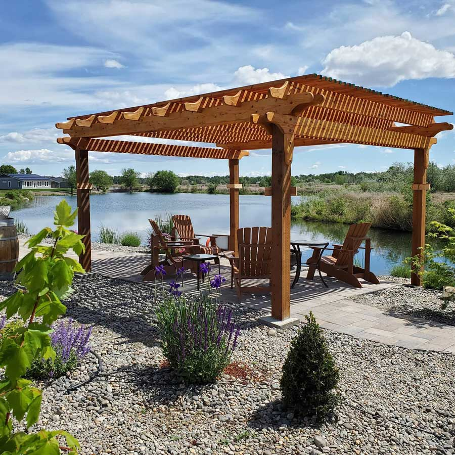 Lakeside Pergola at Zillah Lakes Inn